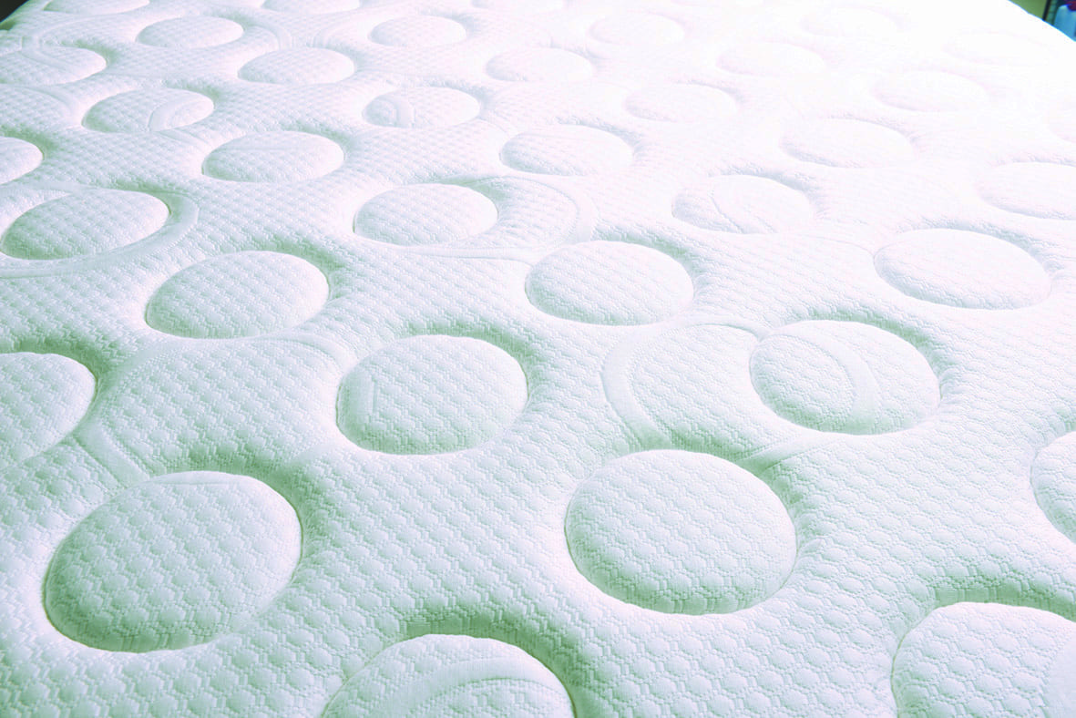 MPT Group Automatic Quilting - smartie quilt